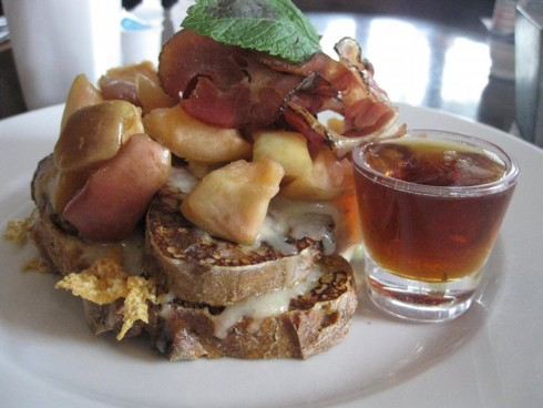 au-ptit-cochon-de-sante-french-toast-large