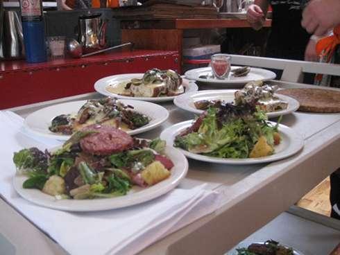 source http://www.restaurantaupieddecochon.ca/