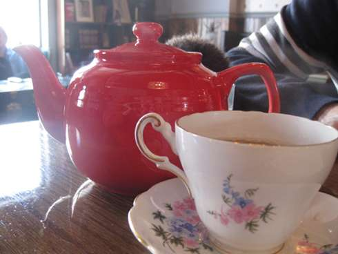 cardinal tea room tea pot