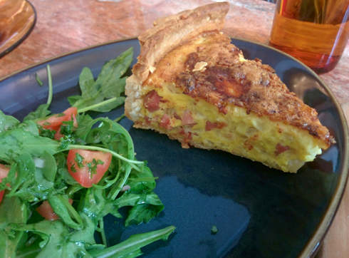 cafe parvis montreal quiche brunch
